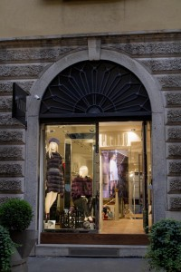 PAJARO Flagship store a Milanolow
